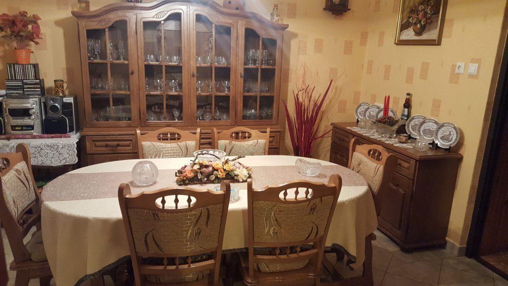 München étkező garnitúra 6 személyes konyhai asztal ebédlő szék 4 ajtós tölgy fa tálalószekrény 3 -as 3ajtós komód román bútor